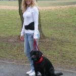 Heizkissen Rücken - Hydas Wärme mit Hund im Park