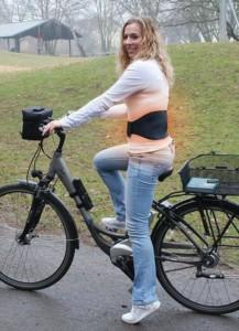 Heizkissen Rücken - Hydas kabelloser Wärmegürtel im Kissen Test